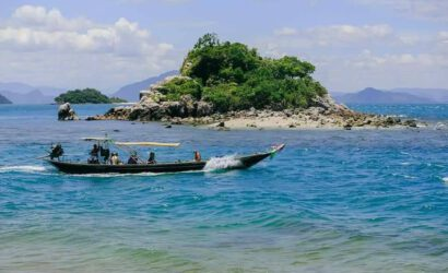 Private Long Tail Boat to visit Pigs Island